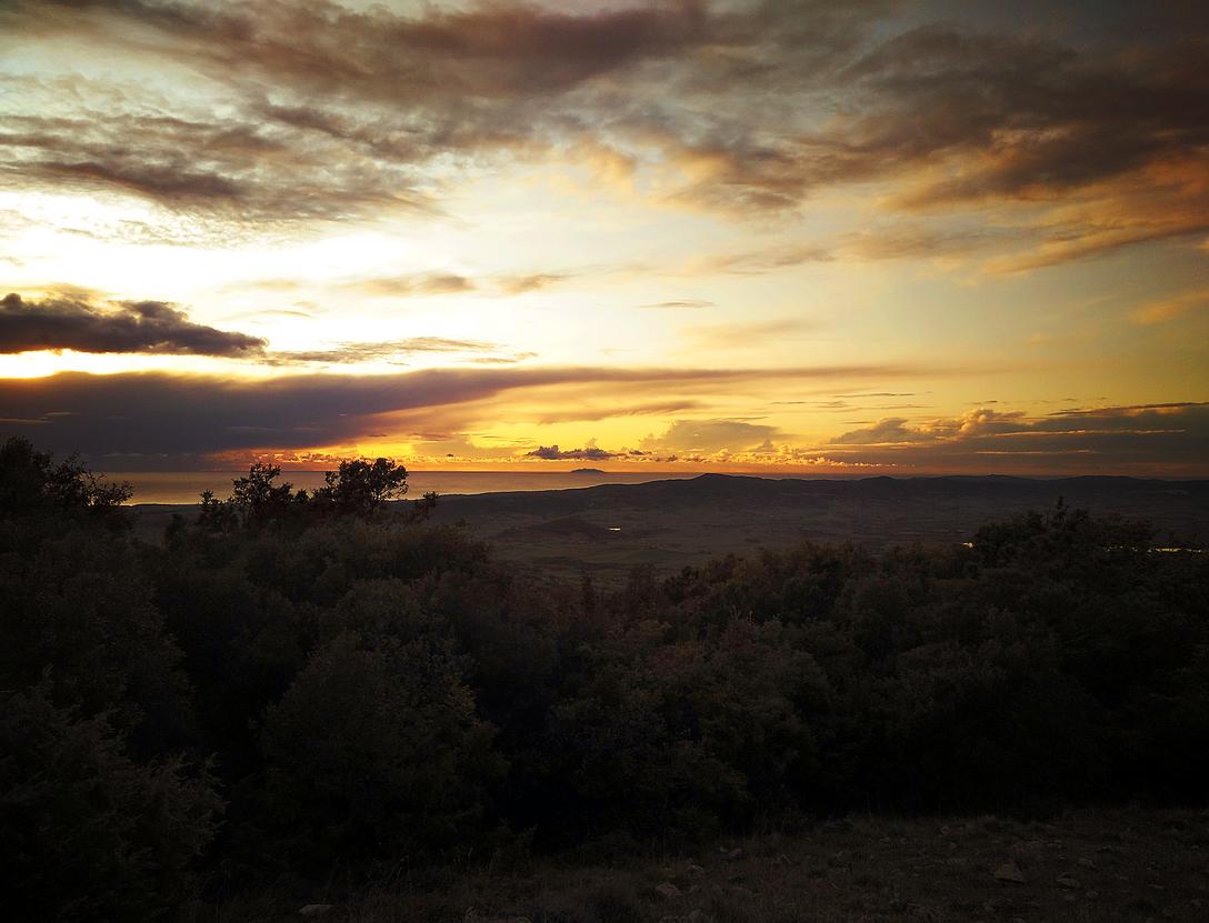image: Punto panoramico 'Sassi Bianchi' al tramonto
